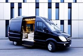Bus service in Munich:  Mercedes Sprinter Luxus Liner