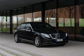 Limousine service with style: Mercedes-Benz S350 L