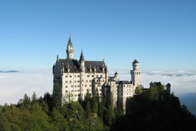 Tour of the castles with the  limousine services of Munich Drivers