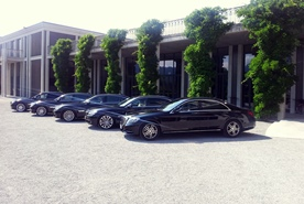 Shuttle services for your event with  the limousine services of Munich Drivers