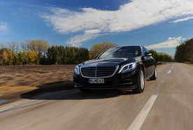 Sightseeing and excursions with limousine and private chauffeur